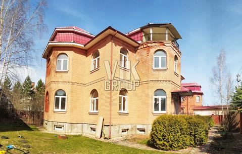 3-х эт коттедж 610 кв.м 12 сот Красногорский р-н 5 км от МКАД