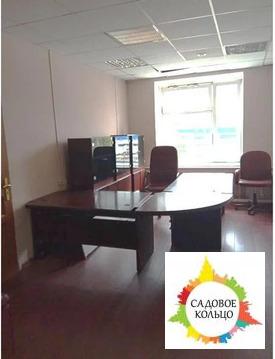 Предлагает в аренду офисное помещение площадью 112,1 кв.м.