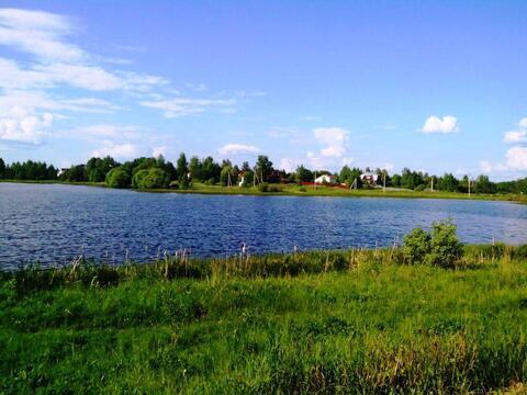 12 соток в деревне на берегу озера (ПМЖ).