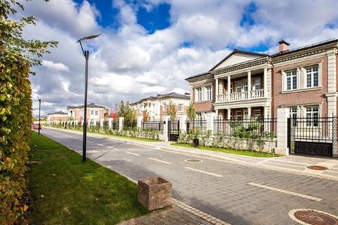 Коттедж в элитном посёлке в Жуковке по цене земли