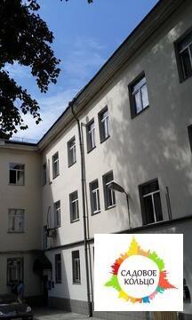 Отдельно стоящее трехэтажное здание полезной площадью 1524