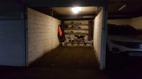 Гараж-бокс в кирпичном охраняемом подземном паркинге