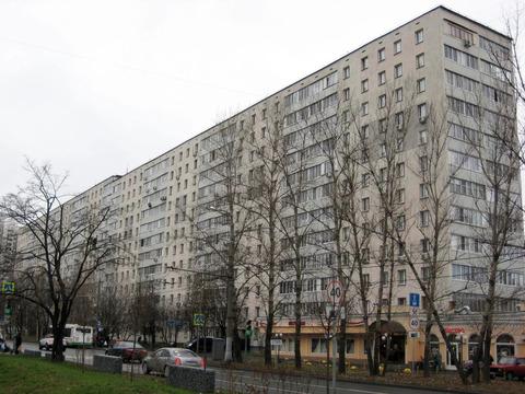 Сдается на длительный срок комната рядом с метро Алтуфьево