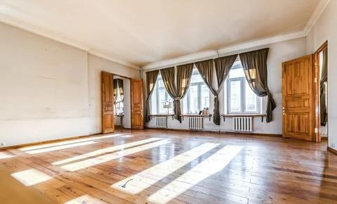 Продаётся 4-х комнатная квартира на ул.Петровка 106 кв.м.