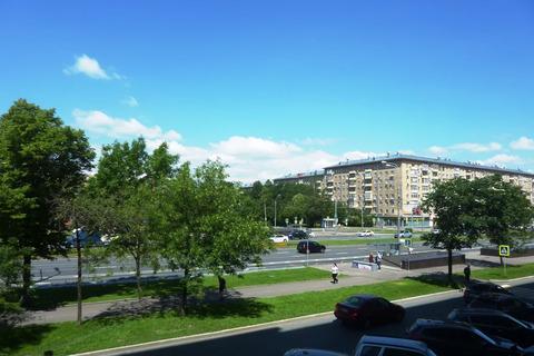Продам трехкомнатную квартиру на ленинском