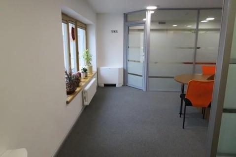 Маленький, престижный офис самого высокого класса в тихом центре.
