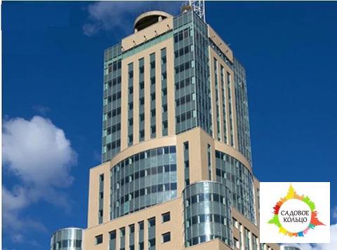 Бизнес-центр «Домников» расположен в центре Москвы, между Садовым коль