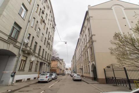 Продам 4-к квартиру, Москва г, Кривоарбатский переулок 15с1