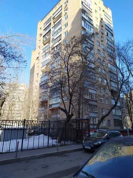 Продается 3-х ком.квартира в Москве у метро Барикадная, Пресненский р.