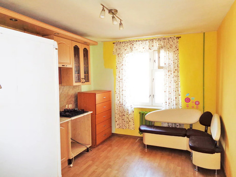 3-х ком. квартира 83 (кв.м). Этаж: 10/10 панельного дома.