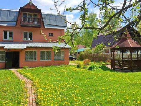 Продаю кирпичный 3-этажный дом с лесным участком 13 соток в СНТ