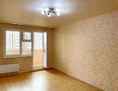 Продаю просторную 2-к квартиру в мкр. Красная горка.