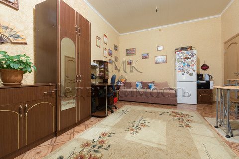 Продажа комнаты в коммунальной квартире.