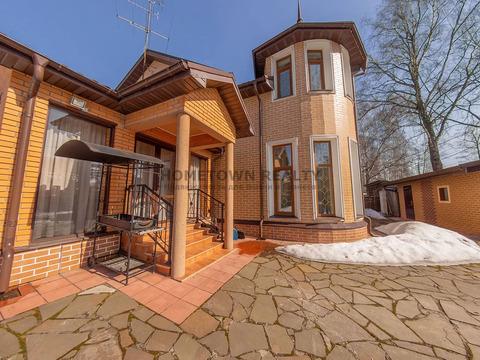 Продается уютный двухэтажный жилой дом 199,7м2 на участке 6.7 м2 соток