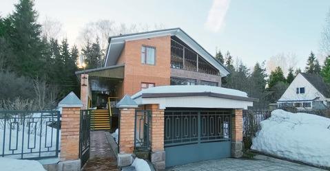 Дом 325 кв.м (кирпич). Сауна. Гараж. Участок 15 соток