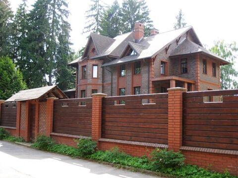 Солидный, статусный дом 555 м2 на лесном участке 30 соток в .