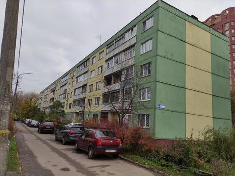 Сдам 1 ком кв, расположенную по адресу: г. Серпухов, ул. Фрунзе д.4а