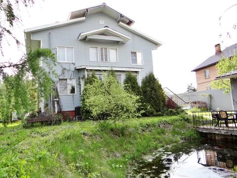 Дом с земельным участком и прудом г. Лобня