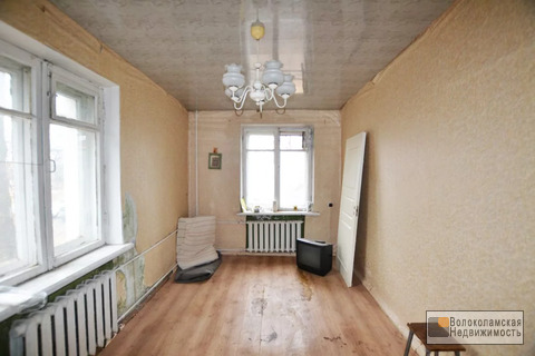 Продается комната в двухкомнатной квартире в городе Волоколамске