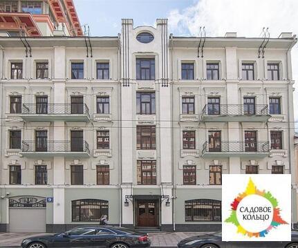 Предлагается к продаже особняк на первой линии Долгоруковской улицы.
