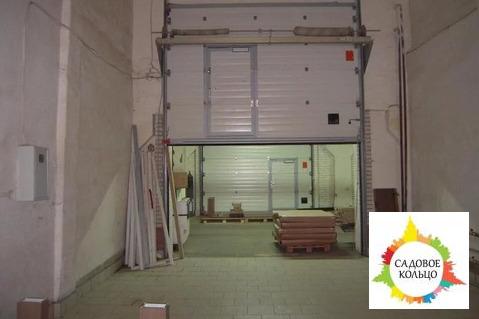Производственно-складское здание из кирпича с ж/б перекрытиями. На уча