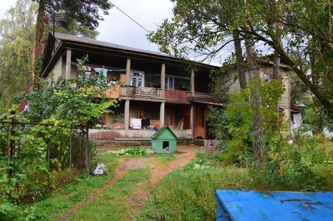 Продам три комнаты в частном коммунальном доме: посёлок Малаховка.