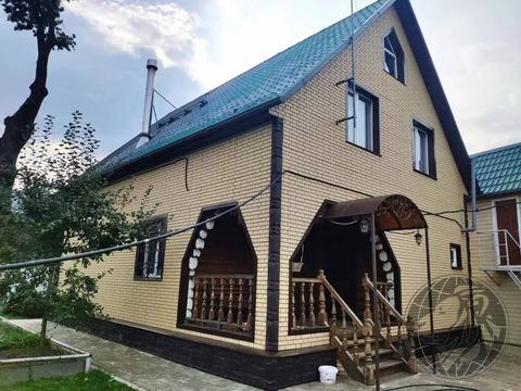 Шикарный дом из бревна в центре Климовска
