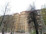 Просторная квартира в сталинском доме.